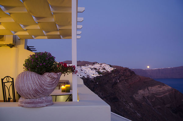 Angel Cave Houses Hotel, Oia Santorini -  Kallisti Honeymoon Suite